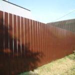 Забор из профлиста. Цвет шоколад