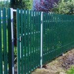 Забор из евроштакетника зеленый