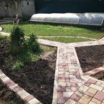 Мощение дорожек в саду